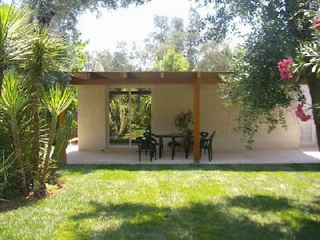 Private chalet with pool near LECCE