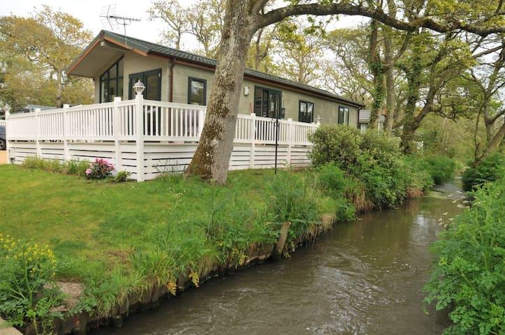 Luxury Holiday Lodge - Milford on Sea