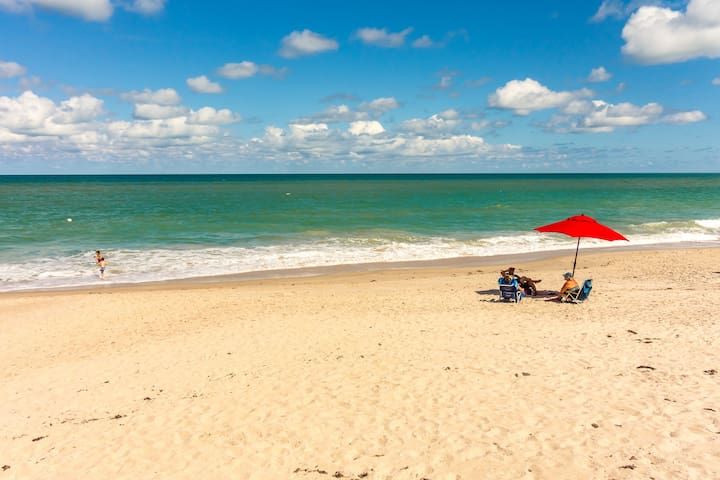 Oceanfront Timeshare on Beautiful Vero Beach, FL - Vero Beach - Lejlighed