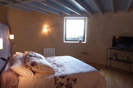 suite pigeonnier vue mer - Cancale - Bed & Breakfast