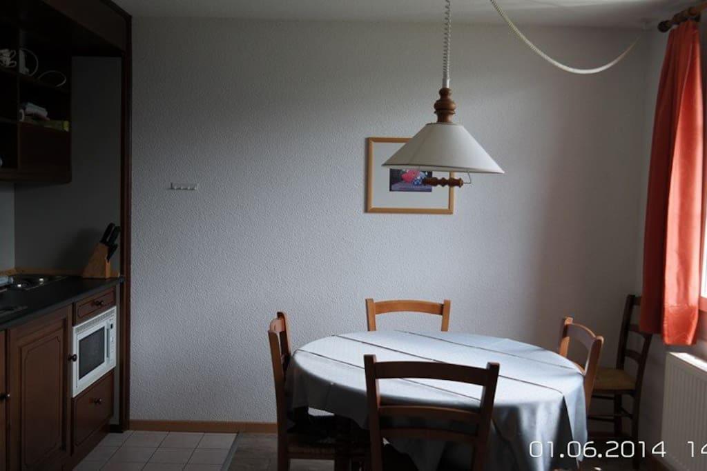 Die Küche ausgestattet mit allem Notwendigen für 6 Personen