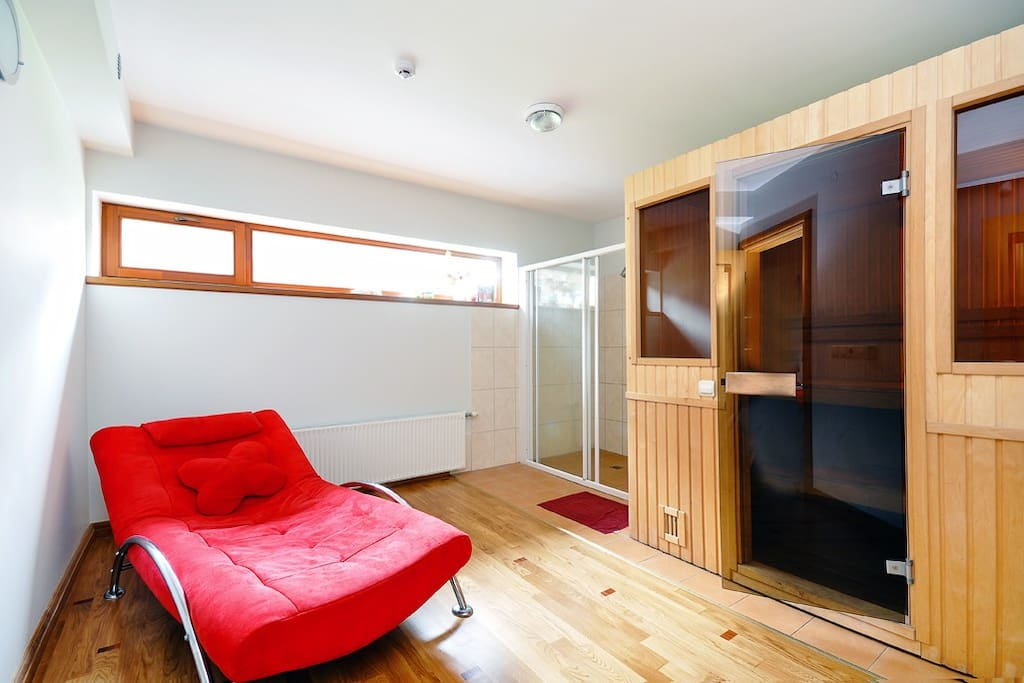 Sauna, double shower and lovely sofa to rest