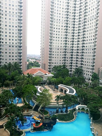 2 Bedroom Apartment at Waterplace Residence (YT)