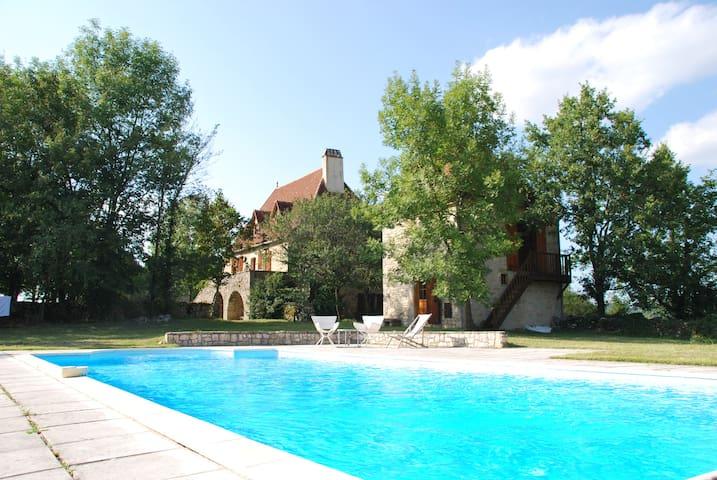 Maison quercynoise avec piscine - Lentillac-du-Causse - Rumah