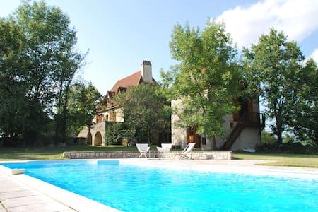 Maison quercynoise avec piscine - Lentillac-du-Causse