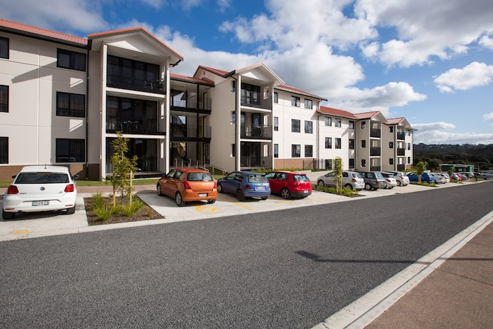 5-Bedroom Apartment on the North Shore of Auckland