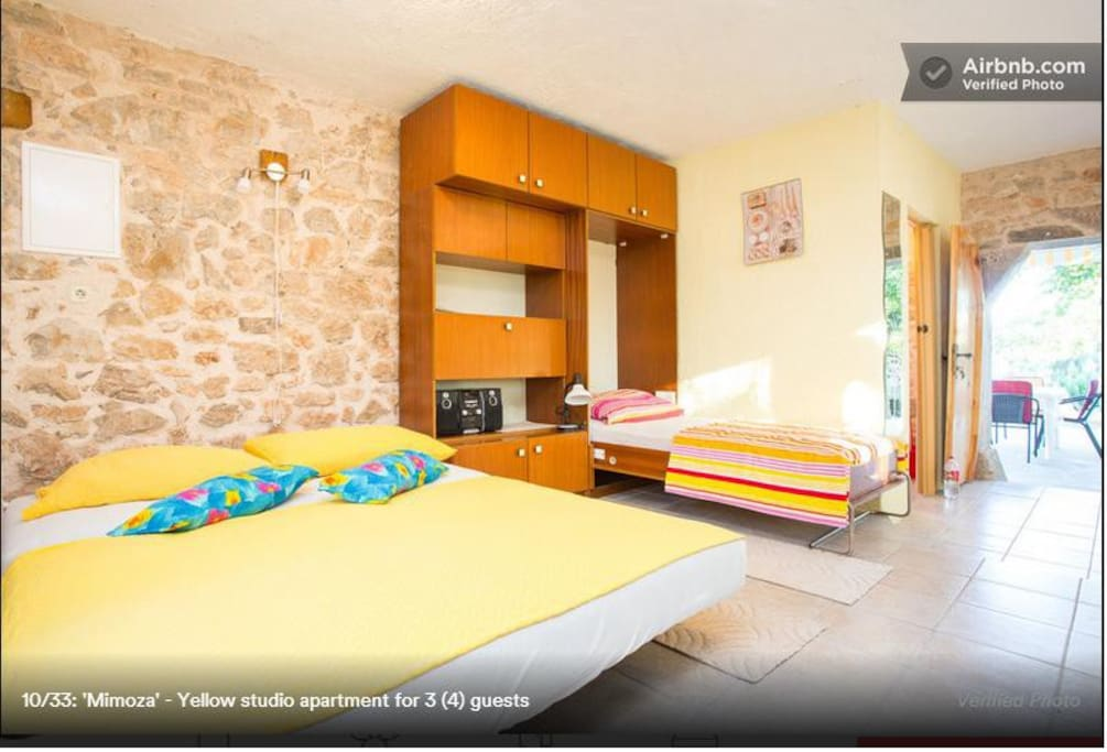 Yellow studio apartment for 3 (4) guests