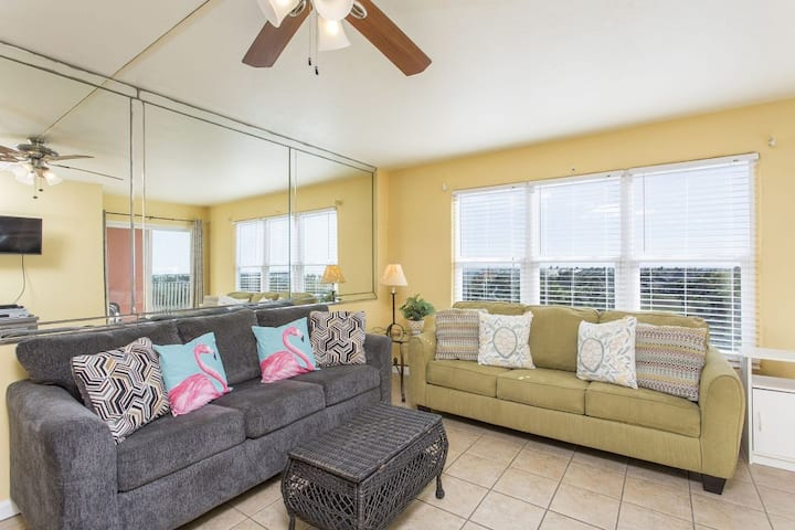 Gulfview II 607 - Single Bedroom for 4 with pool, short walk to beach