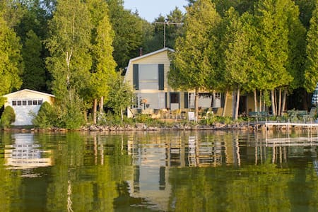 Cottage on Lake in State Park - Sturgeon Bay