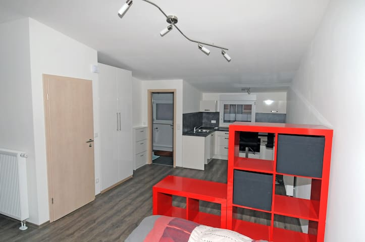 Studio NEU mit Küche, Dachterasse - Feucht