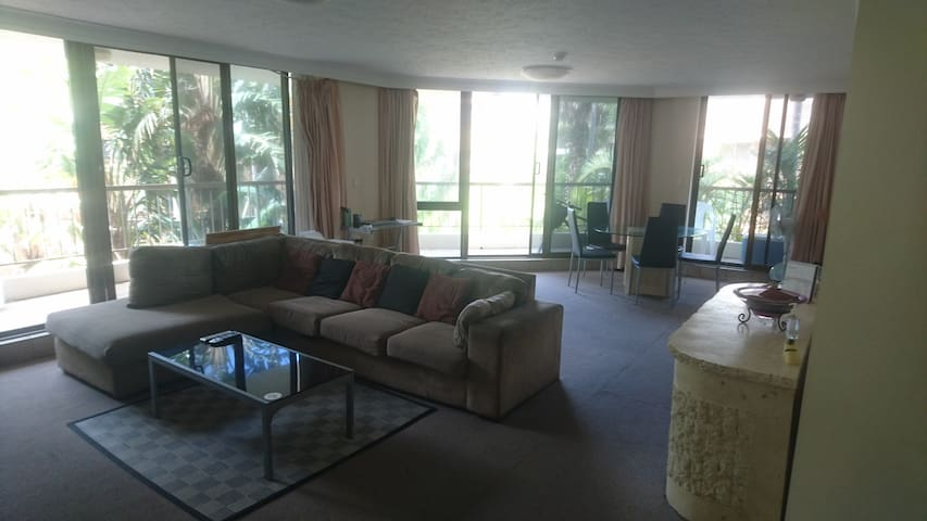 One Bedroom, Surfers Paradise, Genesis Apartment - Surfers Paradise - Appartement