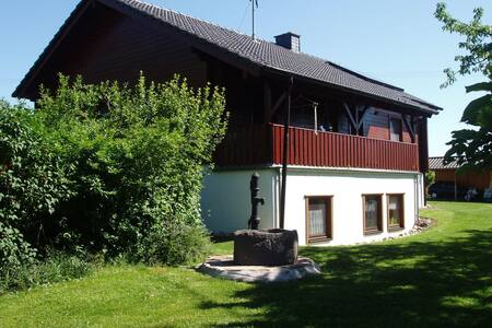Ferienwohnung mit Garten im Hunsrück