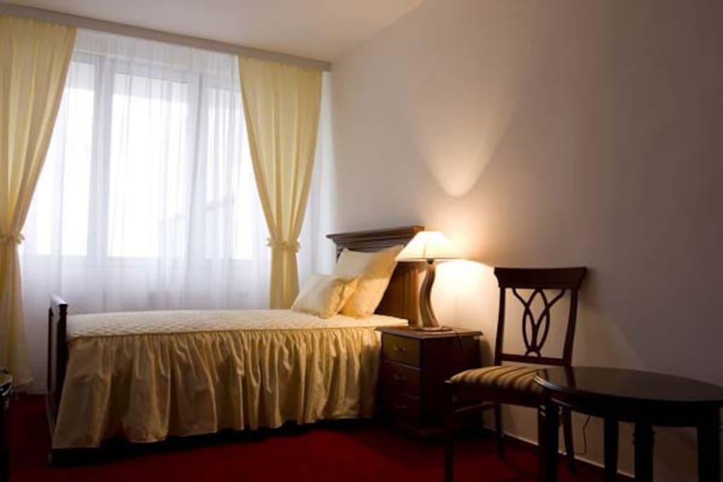 Hotel San_single bed_room