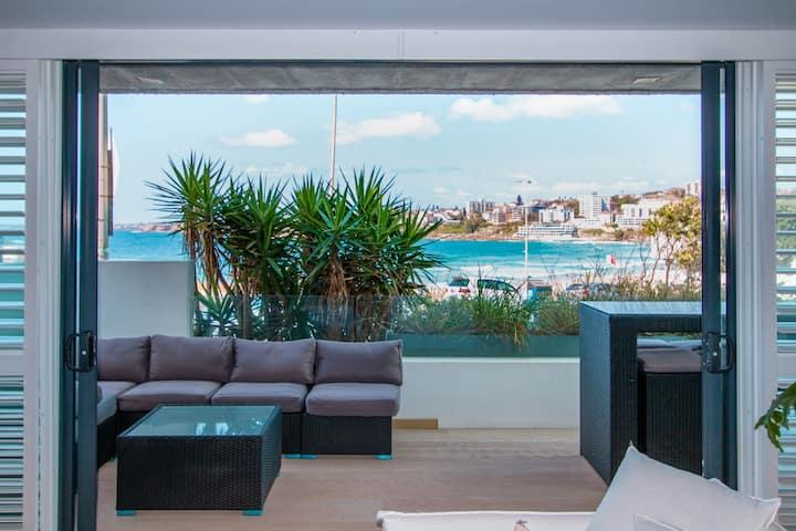 Beautiful Beachside Apartment in Bondi