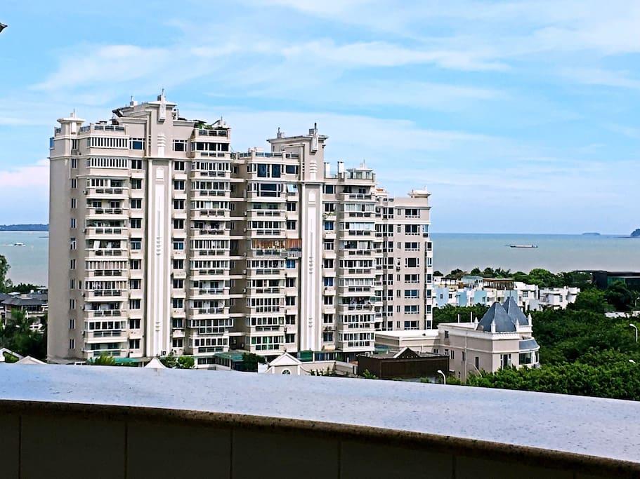 阳台可以看到海景