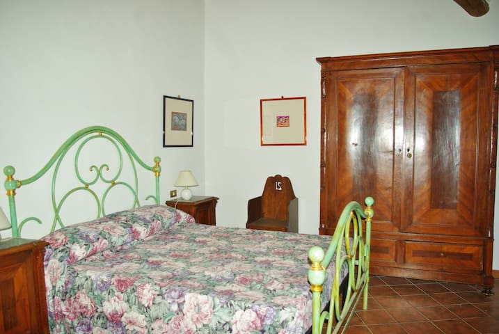 Cozy apartment on the green hills 15min from Siena - Poggio Lodoli - Wohnung