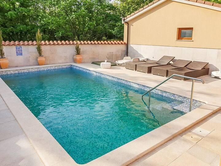 Villa Casa Manera - 4 Bedrooms, Swimming Pool