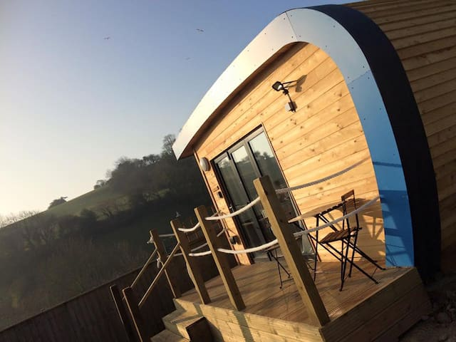 An Idyllic Glamping Escape Pod - Beer - Chatka