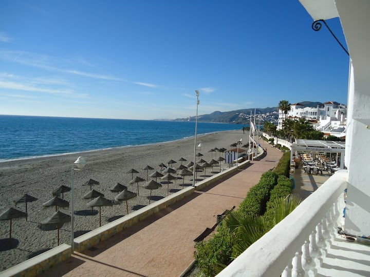 2 Bedroom Sea Front Apartment Stunning Sea Views