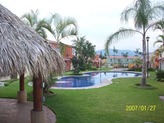 Preciosa casa zona residencial cerca de balnearios - Yautepec de Zaragoza - Talo