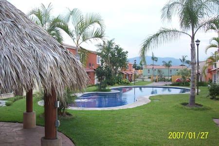 Preciosa casa zona residencial cerca de balnearios - Yautepec de Zaragoza - บ้าน