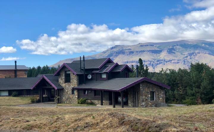 Lolog  Casa de Montaña