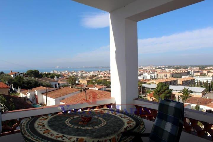 Casa de 3 habitaciones con terraza y vistas al mar - Roses - Casa