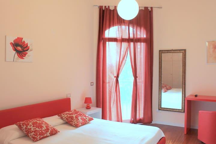 Villa Devin R&B Stanza Rossa - Ferrare - Bed & Breakfast