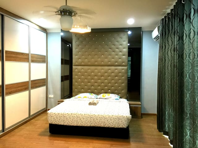 Luxury Holiday Villa Near UNIMAS UiTM - Kota Samarahan - Villa