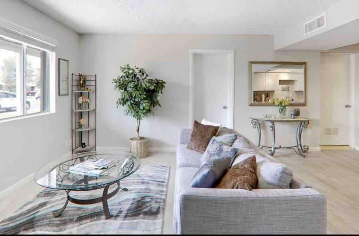 *****Beautiful Scottsdale Queen Bedroom