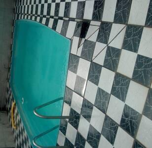 Casa praia com piscina acomoda 14 - negocio valor