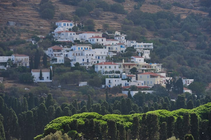 Livadia village