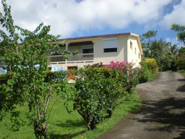 Logement  à LA CAMPAGNE  MARTINIQUE - Sainte Marie - Apartment