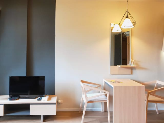 Luxury1BR-h@Asok&NaNaBTSw/KingBed【24hCheck in】2~4P