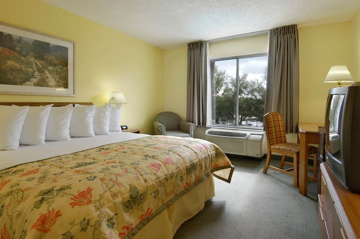 Private Room by Orlando Theme Parks - Orlando - Bed & Breakfast