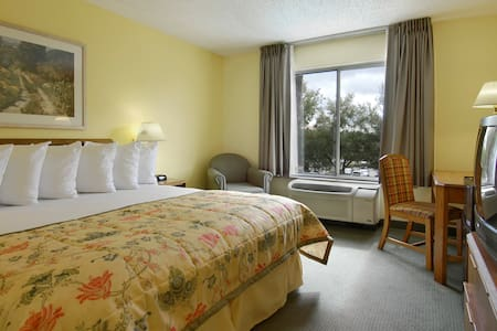 Private Room by Orlando Theme Parks - Orlando