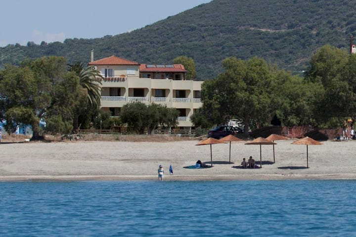 Gythion /Gytheion Villa Drossia apt - Μαυροβούνι - Departamento