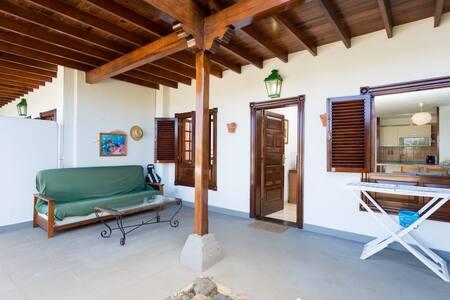 APARTMENT WITH PRIVATE GARDEN - Puerto de la Cruz - Apartamento