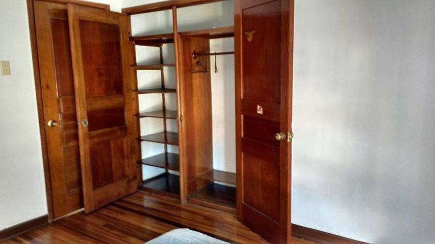 Well located flat, shared with very chilled people - Bogotá - Maison