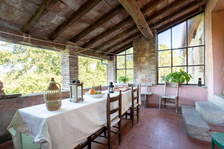Umbrian country house 10 min to Trasimeno Lake
