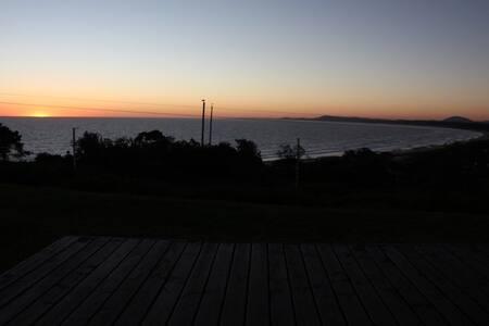 Disfrute del mejor atardecer en Punta Ballena - Maldonado