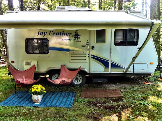 Cute RV in a beautiful area - Stone Ridge - Campingvogn