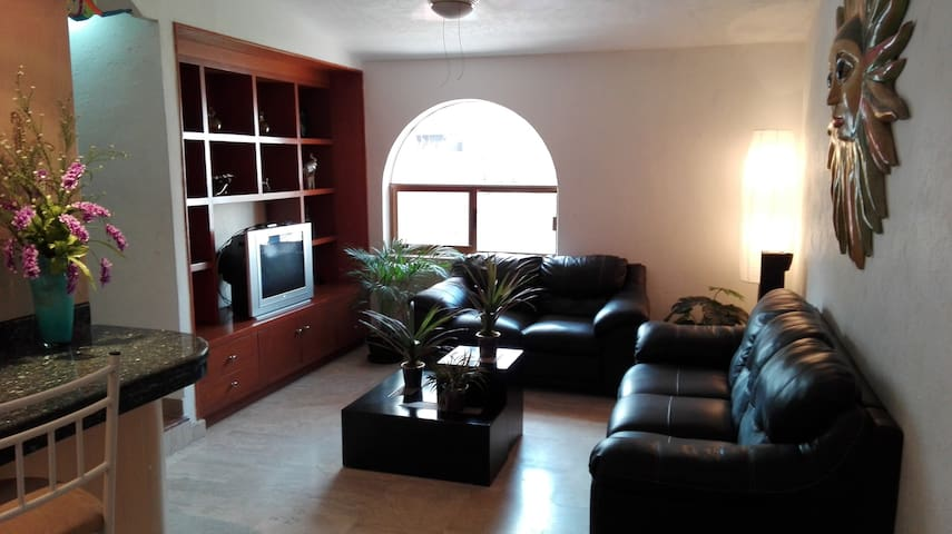 Beautiful 2 bedroom apartment and fully equipped