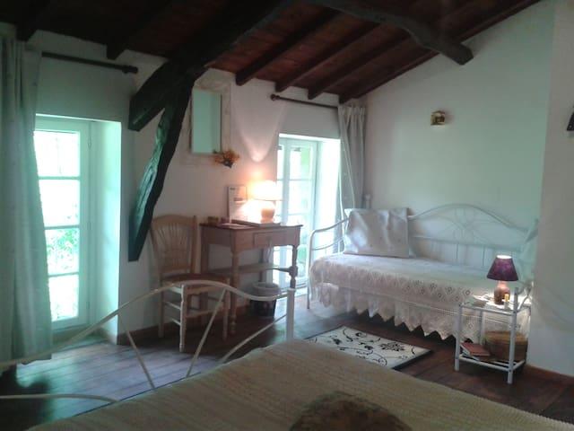 """Chambre d'hôtes """"la provençale"""""""