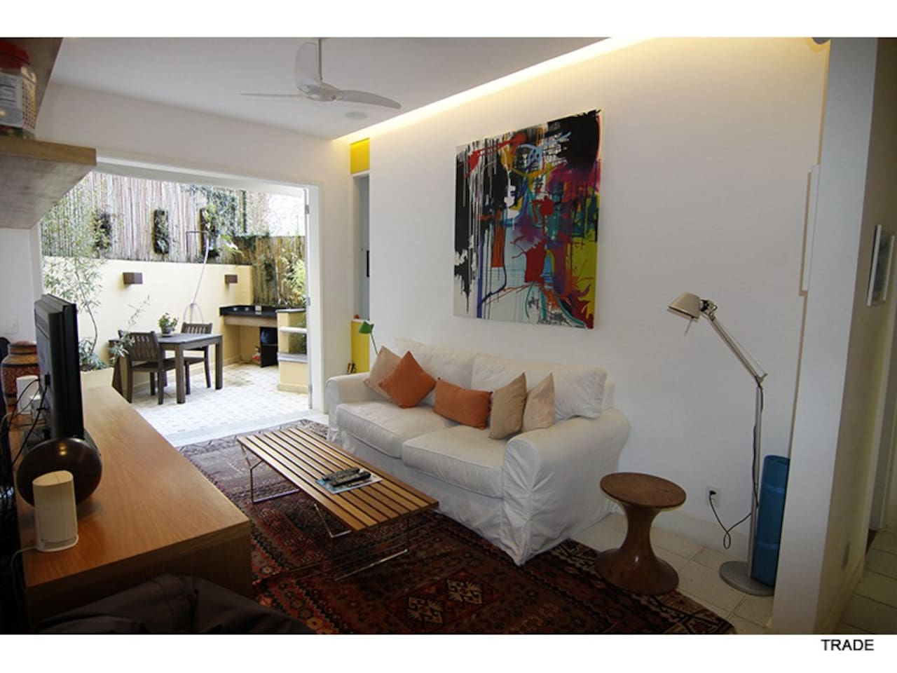 Living room. Tv room