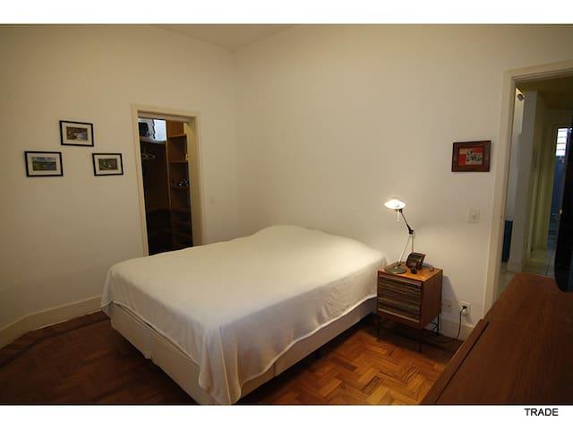 1 Room. 1Quarto