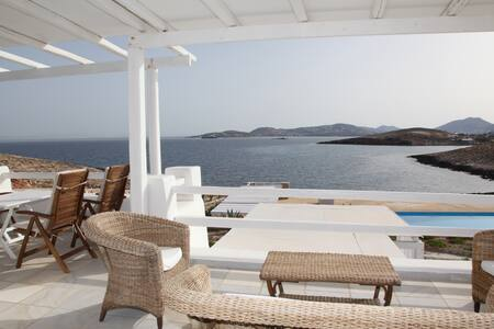 Paros Parasporos Villa with a pool by the sea 1 - Parasporos - Villa