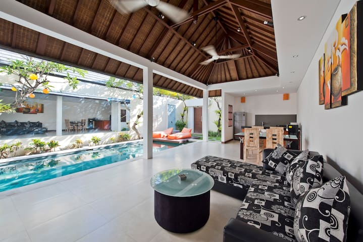 ★NEW★2BR Villa&private pool in heart of Seminyak★