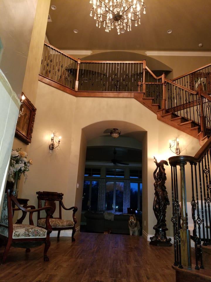 Opulent Luxury Awaits You at Starwood Manor