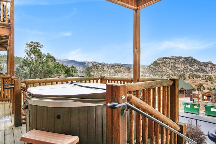 MacGregor Mountain 27C - 1 Br condo with fireplace, Marys Lake and mountain views!